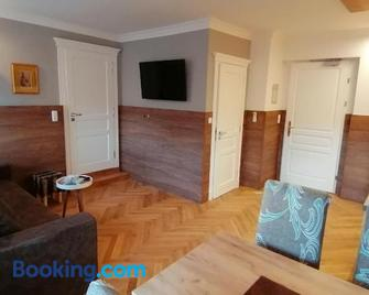 Golden Star - Premium Apartments - Мельк - Living room