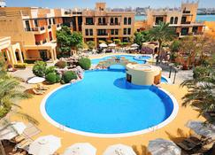 Novotel Bahrain Al Dana Resort - Manama - Piscina