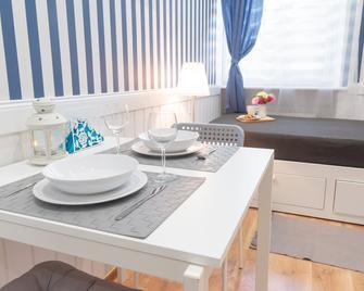 Marina Rooms - Štětín - Dining room