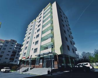 City Hotel Gabala - Gabala - Building