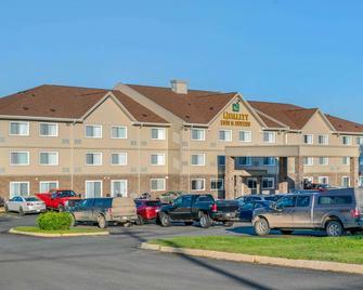 Quality Inn & Suites - Bathurst - Building