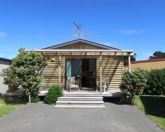 Dunedin Holiday Park & Motels - Dunedin - Building