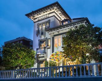 Hotel Boutique Las Brisas - Santander - Building