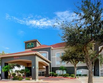 La Quinta Inn & Suites by Wyndham Mission at West McAllen - Mission - Building