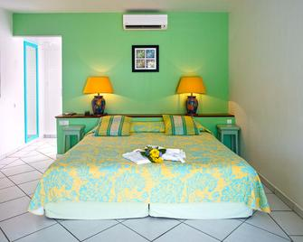 Anse Marcel Beach Resort - Anse-Marcel - Bedroom