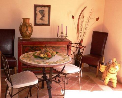Villa dei Papiri - Siracusa - Dining room