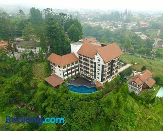 The Grand Hill Resort-Hotel - Puncak - Building