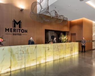 Meriton Suites Herschel Street, Brisbane - Brisbane - Front desk
