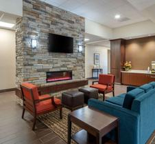 Comfort Inn & Suites I-90 City Center
