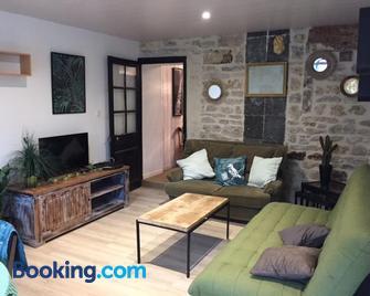 Gîte sur Loue - Ornans - Living room