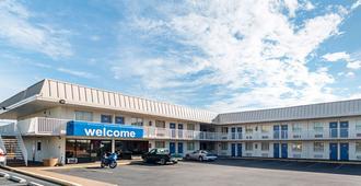 Motel 6 San Antonio I-10 West - San Antonio - Building
