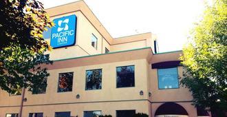 太平洋東道主套房旅館 - 坎盧普斯 - 坎盧普斯