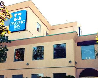 Pacific Inn & Suites - Kamloops - Gebouw