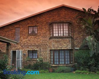 Fig Tree Manor - KwaDukuza - Building