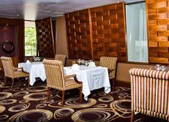 Crown Hotel - Puerto Moresby - Restaurante