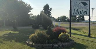 Silver Motel - Chatham-Kent - Outdoors view