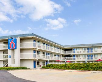 Motel 6 Chicago Northwest - Rolling Meadows - Rolling Meadows - Building