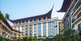 Grand Bravo Guilin Hotel - גילין