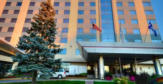 Crowne Plaza Montreal Airport - มอนทรีออล