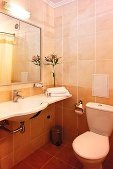 索納塔酒店 - 利沃夫 - 利沃夫 - 浴室