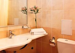 Hotel Sonata - Lviv - Bathroom