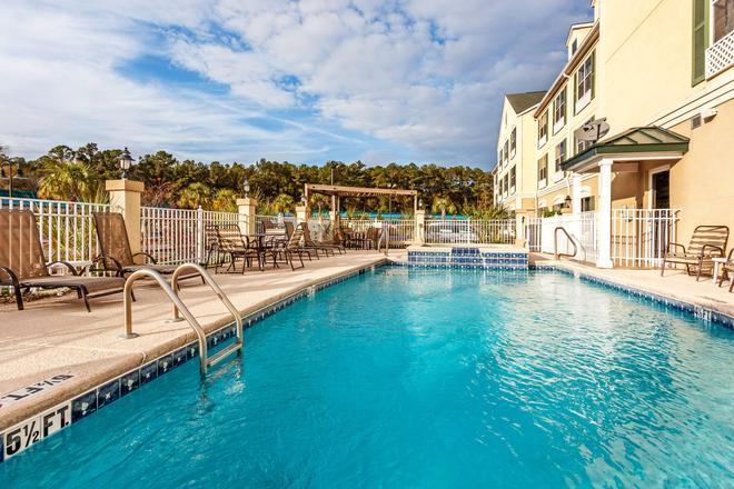 Country Inn & Suites by Radisson, Hinesville, GA - Hinesville - Pool