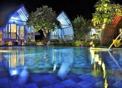 Bakung Cozy Cottage - Nusa Penida - Piscina