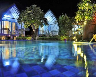 Bakung Cozy Cottage - Nusa Penida - Bazén