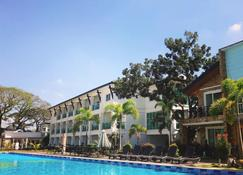 Hotel Seoul - Mabalacat - Piscina