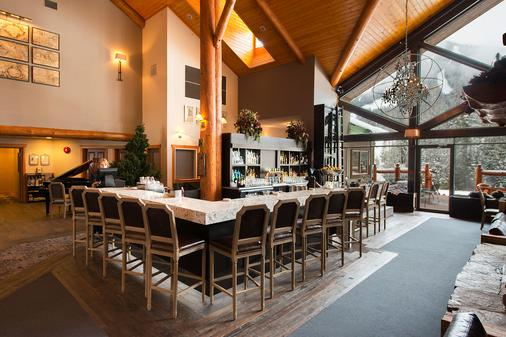Lizard Creek Lodge - Fernie - Bar