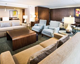 Radisson Hotel Corning - Corning - Вітальня