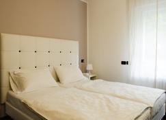 Hotel Asterix - Bolzano - Bedroom