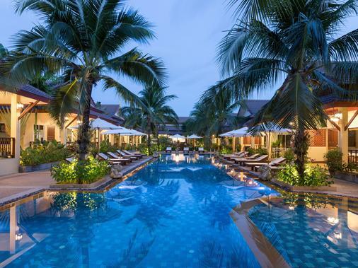 Le Piman Resort - Bãi biển Rawai - Bể bơi