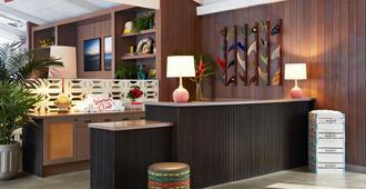 The Surfjack Hotel & Swim Club - Honolulu - Lễ tân