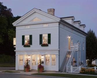 The Rochester Inn, A Historic Hotel - Sheboygan Falls - Building