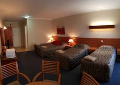 Amber Court Motor Inn - Coonabarabran - Bedroom