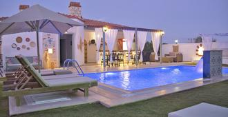 Elda Alacati Boutique Hotel - Alacati - Pool