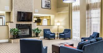 Comfort Suites University - Research Park - שרלוט - סלון