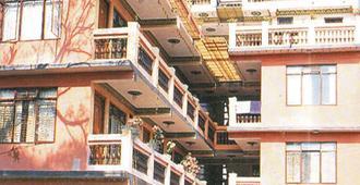 Hotel Metropolitan Kantipur - Kathmandu - Building