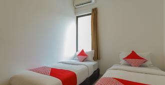OYO 866 Idola Residence - Jakarta - Bedroom