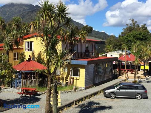 Chateau Backpacker & Motels - Franz Josef Glacier - Building
