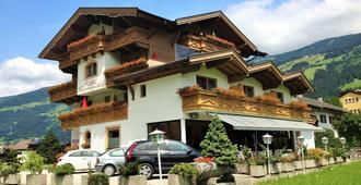 Hotel Restaurant Rosengarten - Zell am Ziller - Bygning