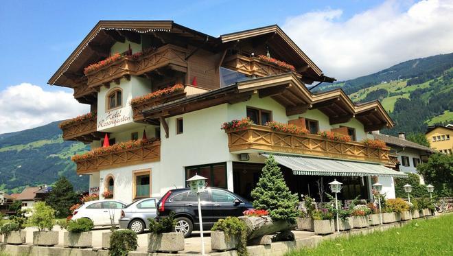 Hotel-Restaurant Rosengarten - Zell am Ziller - Rakennus