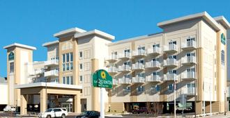 La Quinta Inn & Suites by Wyndham Ocean City - Ocean City - Building