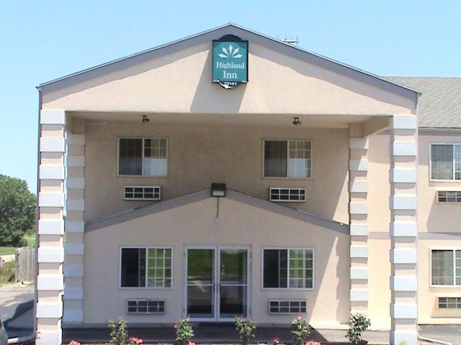 Highland Inn Peculiar - Peculiar - Building