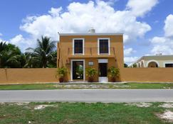 Hotel Hacienda Izamal - Izamal - Building