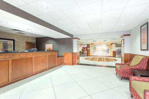 金斯蘭溫德姆霍桑套房酒店 - 金斯蘭 - Kingsland - 大廳