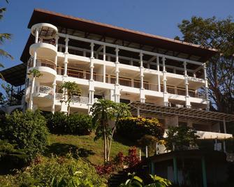 Condo Hotels Samara Heights - Sámara - Building