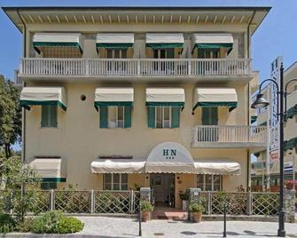 Hotel Nettuno - Pietrasanta - Gebouw