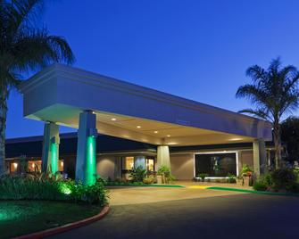 Holiday Inn Dublin-Pleasanton - Dublin - Building